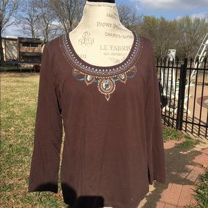 Ladies top w/ embroidered neckline , Brown, XL